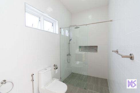 51 Ensuite bathroom#3