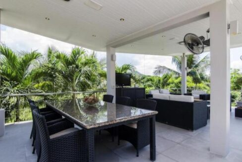 05 High Standard Modern Golf Villa