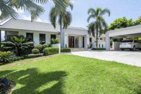 07 High Standard Modern Golf Villa