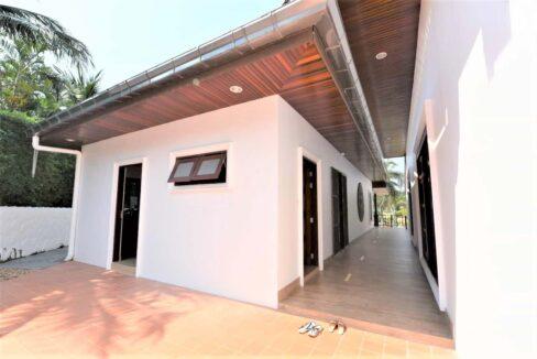 08C Walkway to villa entrance