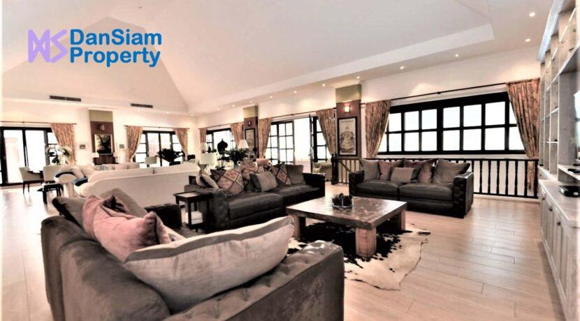 12B Spacious living-dining lounge