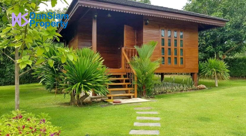 13 Guest house