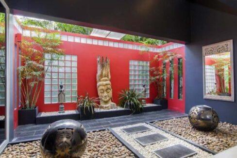 16 Buddha room