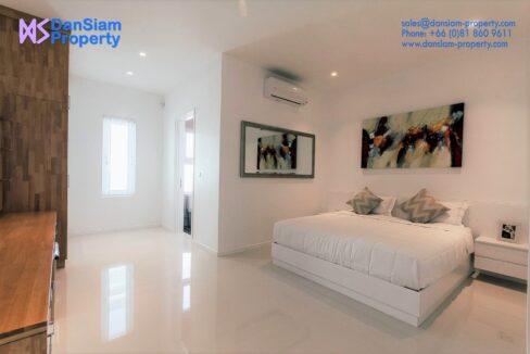40 Large bedroom #2