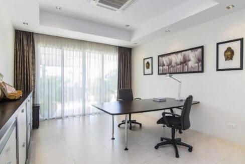 60 Office room