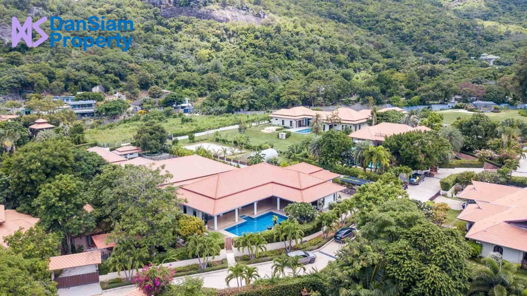 Absolute Luxury Pool Villa in Excellent South Hua Hin Location