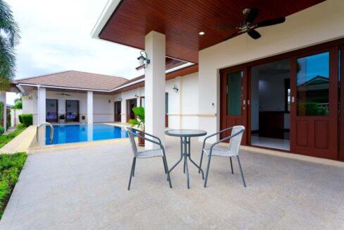02 Balinese pool Villa