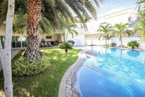 02 Large Lees1 pool villa