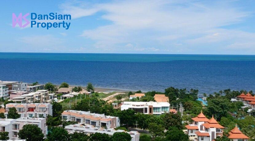 03 Seaview from condo balcony