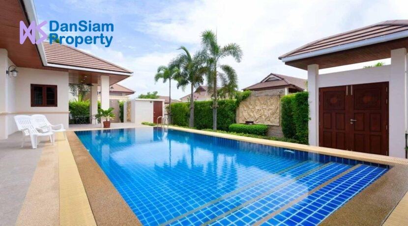 04 Balinese pool Villa