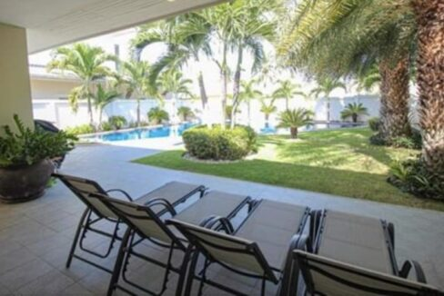 04 Large Lees1 pool villa