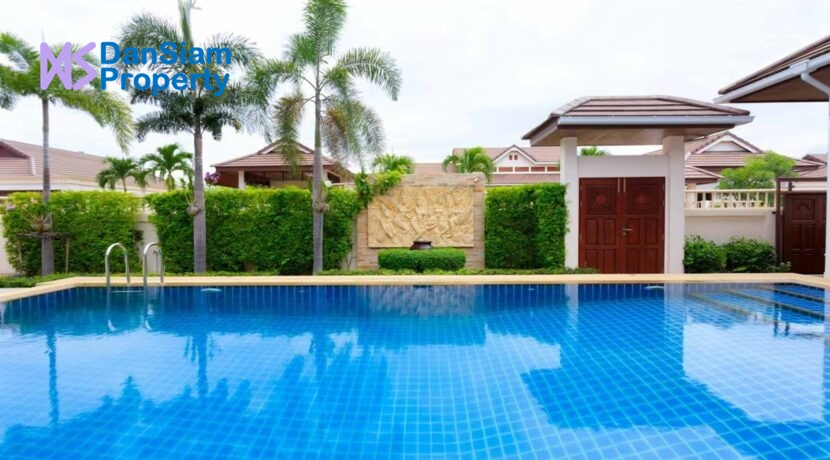 05 Balinese pool Villa