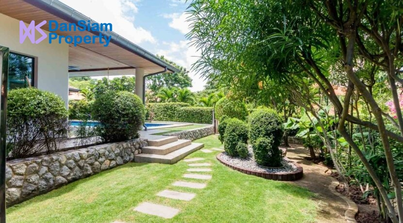 05A Tropical landscaped garden
