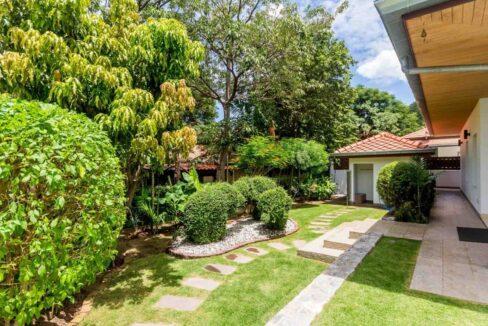 05B Tropical landscaped garden