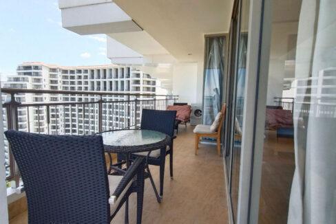 16 Large corner balcony