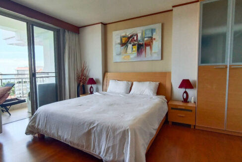 30 Spacious bedroom with balcony access
