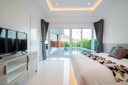 32 Bedroom access to garden-pool area
