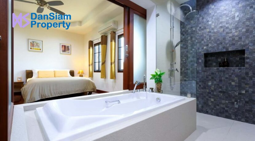 32 Bedroom-bathroom window