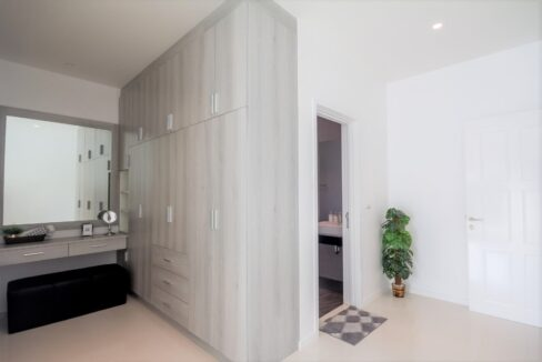 32 Bedroom with walkin wardrobe