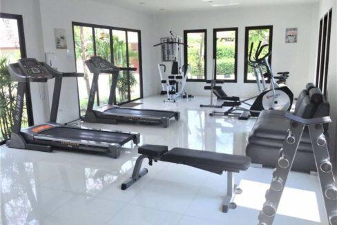 81 HHH56 Fitness room