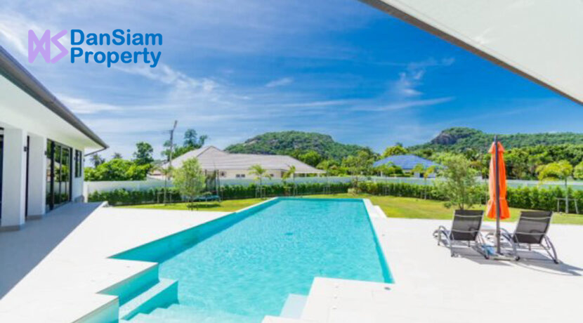 03 Luxury Villa on large plot