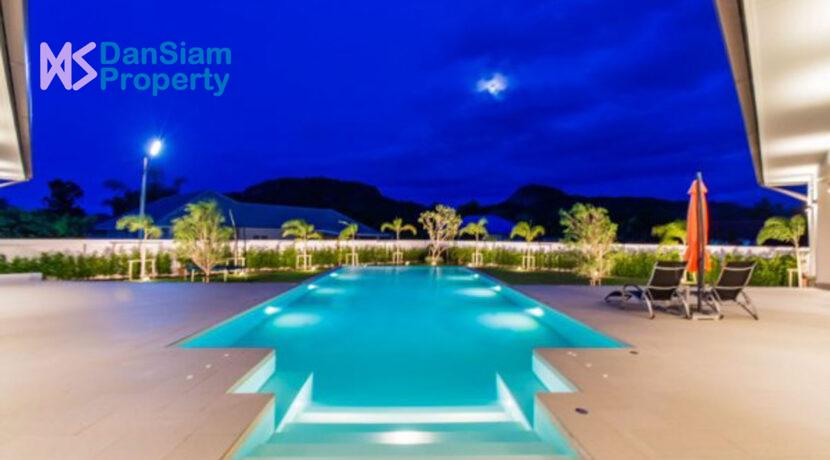 06 Villa at twilight time