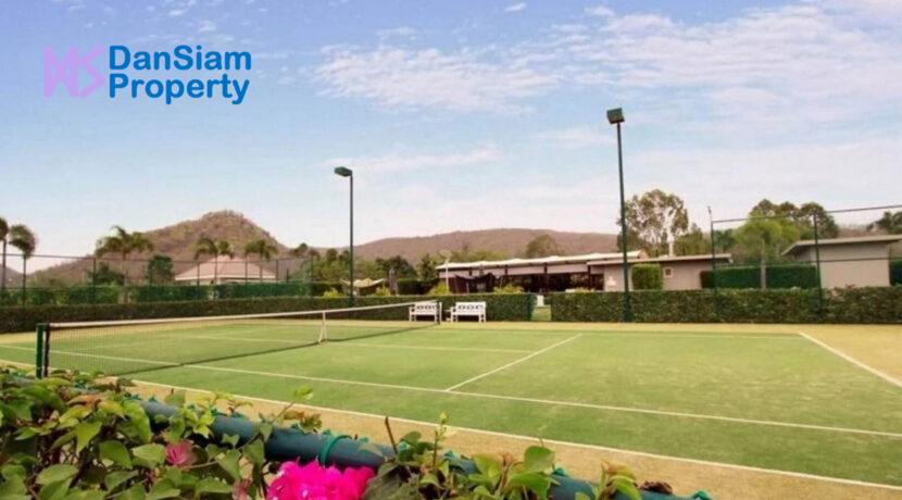 83 BIP Tennis court